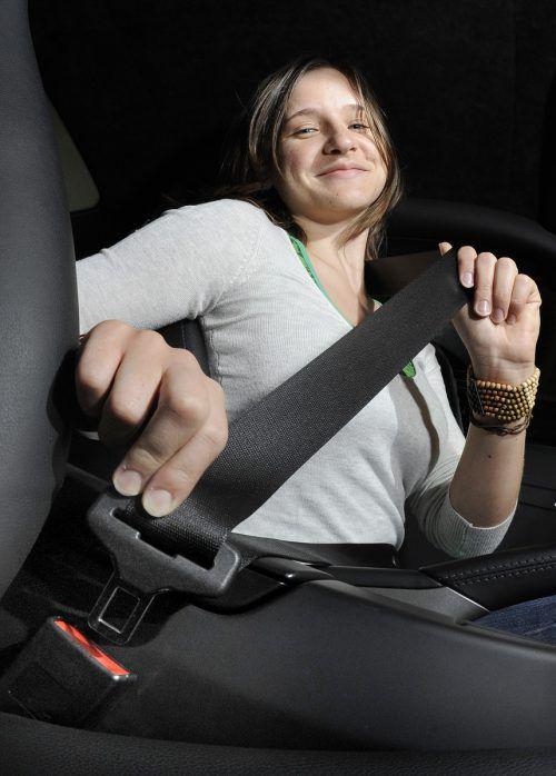 Wer bei der Fahrt nicht angegurtet ist, zahlt 35 Euro Strafe.