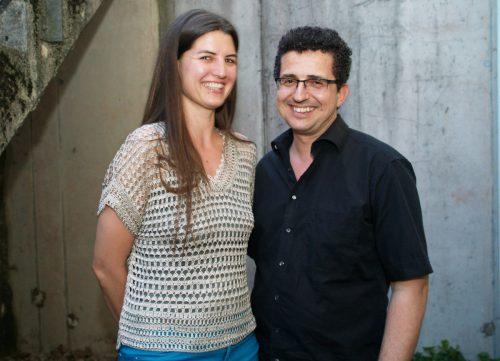 Yogalehrerin Anne Rümmele mit Christoph Wäger (Kinderdorf).