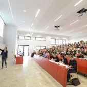 Im Lift zu höherer Bildung