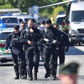 Mann schießt Polizistin in S-Bahn in den Kopf