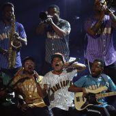 Besondere Trophäen für afroamerikanische Stars
