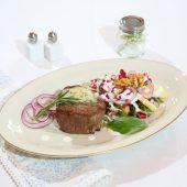 Rinderfiletsteak mit Kressesalat
