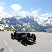 Über 50 historische Fahrzeuge