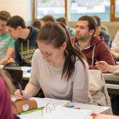 Über 1000 junge Leute wollen an die FH Dornbirn