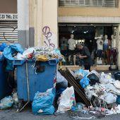 Müllberge verpesten Luft in Griechenland