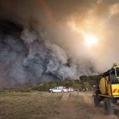 Tausende nach Bränden in Südafrika evakuiert