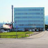 Stadt kauft Posthochhaus