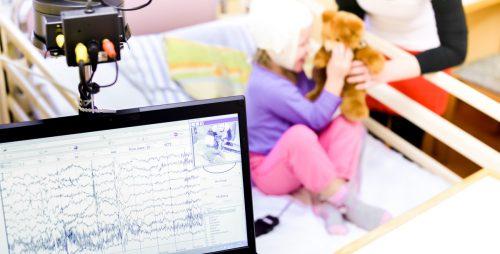 Kinder erkrankten bislang glücklicherweise selten an Covid-19.tobilander