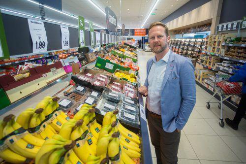 """Lidl-Chef Christian Schug beim Besuch der Vorarlberger Märkte: """"Wir wurden sechsmal in Folge als einer der besten Arbeitgeber ausgezeichnet.""""VN/Steurer"""