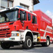 Neues Auto der Feuerwehr wird gesegnet