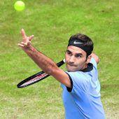 Federer hält Kurs auf Halle-Titel