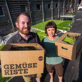 Schweizer Spitzenköchin geht im Vetterhof in die Biogemüse-Lehre