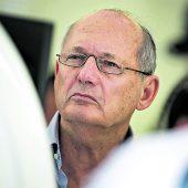 Dennis verkauft McLaren-Anteile