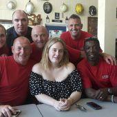 Sängerin Adele besucht Londoner Feuerwehr