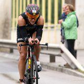 Lisa Hütthaler mit Sieg beim Pescara-Ironman