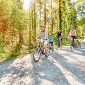 Mit Kind und Kegel und dem Fahrrad das Land erkunden