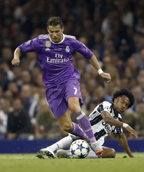 Superstar Cristiano Ronaldo, wird nun nicht mehr nur von den Gegenspielern verfolgt, sondern auch von der spanischen Justiz Foto: reuters