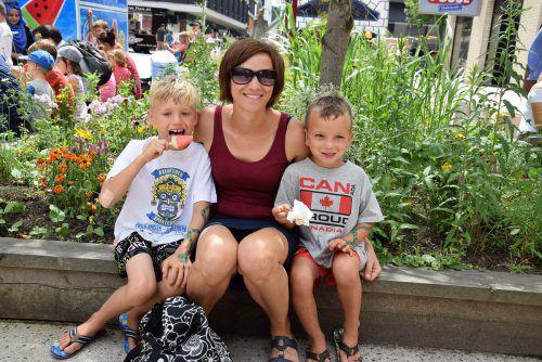 Auch Cornelia aus Mäder feierte mit ihren Söhnen Leon (8) und Luca (5) den Ferienbeginn.Foto: VER