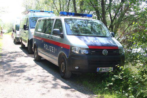 Auch zwölf Polizisten beteiligten sich an der Suche.
