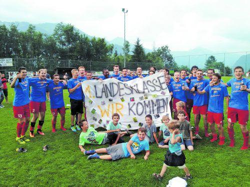 Ausgiebig wurde der Sieg in der Relegation und der damit verbundene Aufstieg in die 1. Landesklasse gefeiert.Foto: Verein