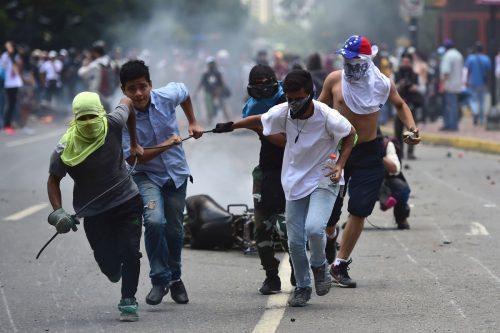 Bei Protesten gegen die umstrittene Wahl in Venezuela kamen mehr als zehn Menschen ums Leben. FOTO: AFP