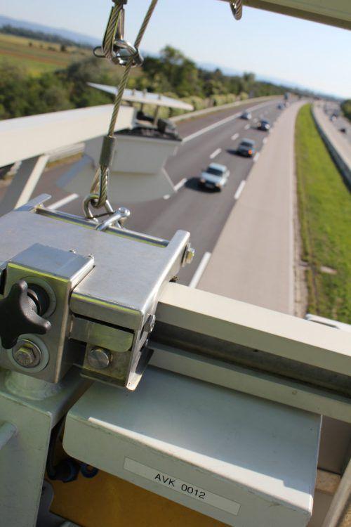 """Das automatische Vignetten-Kontrollsystem erfasst in Stichproben """"Pickerlmuffel"""" auf den Autobahnen. Foto: Asfinag"""