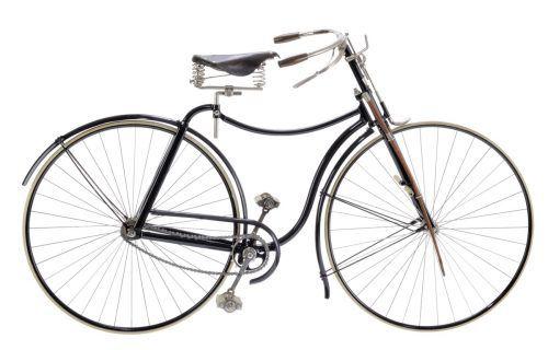 Das Technoseum in Mannheim zeigt ein Rover III aus dem Jahr 1888, das bereits alle wichtigen Merkmale eines modernen Fahrrads aufweist.