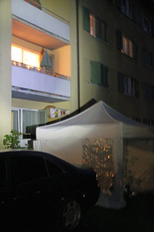 Der Balkon im Bregenz Vorkloster, wo ein Hausbewohner unter mysteriösen Umständen ums Leben kam.Foto: vol.at/Rauch
