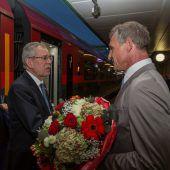Präsident reist mit Zug an