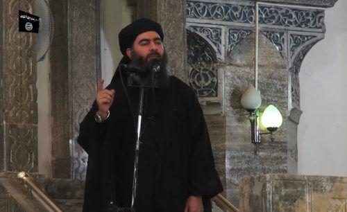 Der IS-Führer wurde schon mehrfach für tot erklärt. Das Foto zeigt ihn bei seinem einzigen öffentlichen Auftritt 2014 in Mossul.  Foto:AFP