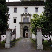Palast mit wechselhafter Geschichte