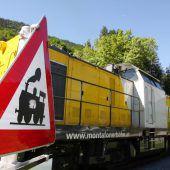 Schwertransport auf Schienen abgewickelt