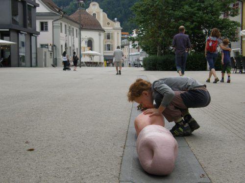 Die bewegten Objekte faszinieren auch Kinder. Fulterer/Scherrer