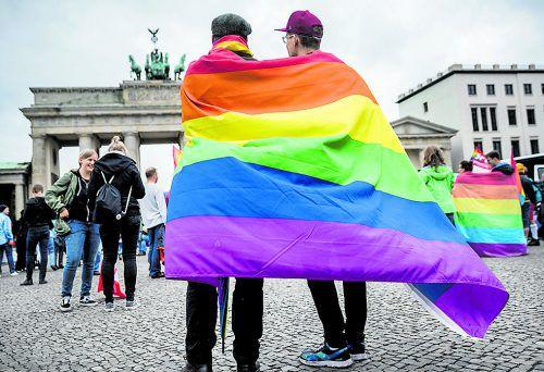 DIe Ehe für gleichgeschlechtliche Paare sorgt auch bei uns für Diskussionen.Foto: dpa