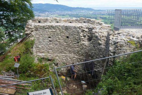 Die Mauerkronen waren schwer zu sanieren. Foto: Moosbrugger