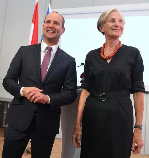 Die neue politische Allianz: Neos-Chef Matthias Strolz mit der früheren Höchstrichterin Irmgard Griss.Foto:APA