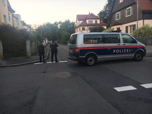 Die Polizei war in kürzester Zeit mit mehreren Streifen am Ort des tragischen Vorfalls. Foto: vol.at/Madlener