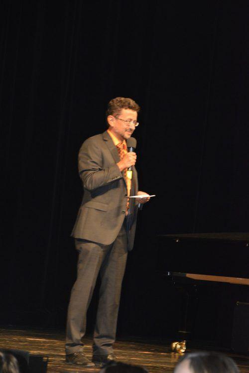 Direktor Reinhard Sepp bedankte sich bei seinen Schülern.