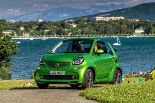 Farbtupfer mit umweltfreundlichem Elektroantrieb: Smartes Cabrio für zwei mit hohem Lifestyle-Faktor.Fotos: werk
