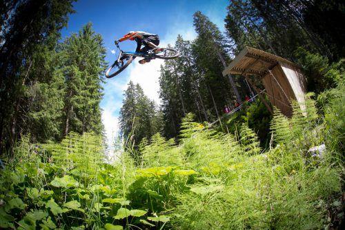 Seit 2014 geht es auf der Tschengla in Sachen Downhill Mountainbiken hoch her. Jetzt wurde der Ausbau eines weiteren Teilstücks bekannt. Bikepark
