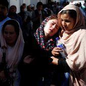 Angriffe der Taliban fordern Dutzende Todesopfer