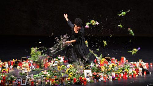 "Golda Schultz als Vitellia in ""La clemenza di Tito"" in der Salzburger Felsenreitschule. Foto: APA"