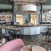 Café Rhesi macht im Rheincenter auf