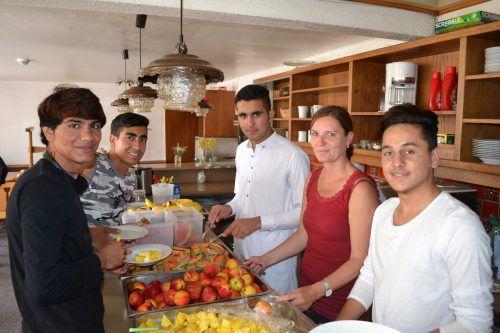 In den Wohngemeinschaften für unbegleitete minderjährige Flüchtlinge sind MentorInnen eine große Bereicherung.