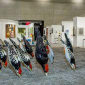"""<p class=""""caption"""">Installation mit Spechten der Gruppe Steinbrener/Dempf & Huber, offeriert vom Kunstraum Dornbirn.</p>"""
