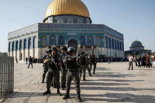 Israelische Sicherheitskräfte bewachen das Gelände. Foto: AFP