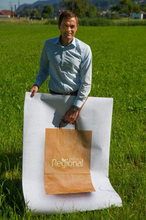 """""""Jeder einzelne Einkauf hilft dem Produzenten und uns dabei, unsere Struktur aufrechtzuerhalten"""", sagt Gerhard Eller. Foto: VN/Hartinger"""