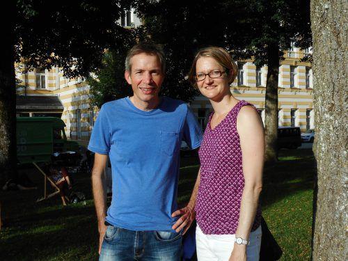 Joachim Kühne-Lerch (mit Gattin Maria) ist begeisterter Schwimmer und Vereinsobmann der Flying Flippers. Foto:VKO