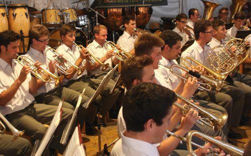 Konzert der Militärmusik im Lochauer Schulhof.Foto: bms