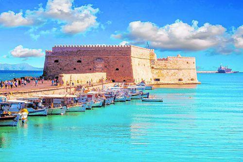Kretas Hauptstadt Heraklion liegt direkt am Meer und hat auch kulturell einiges zu bieten.